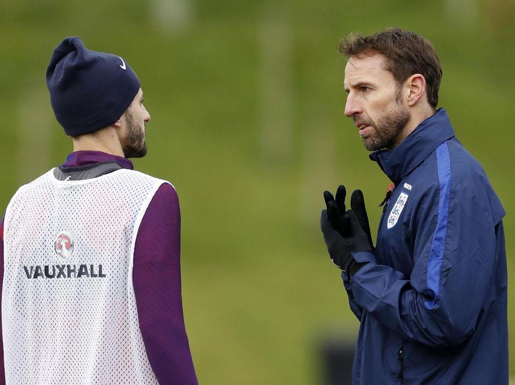 Lallana Desak FA untuk Segera Pilih Manajer Baru Timnas Inggris