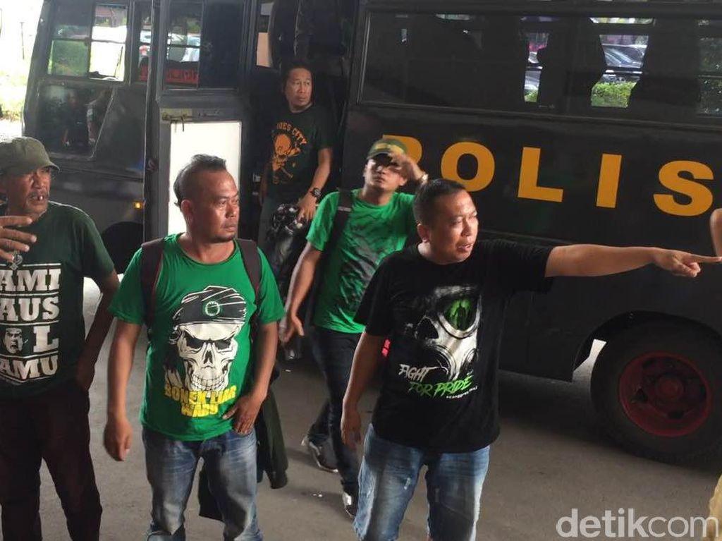 Datangi KLB PSSI di Ancol, Bonek Tagih Janji