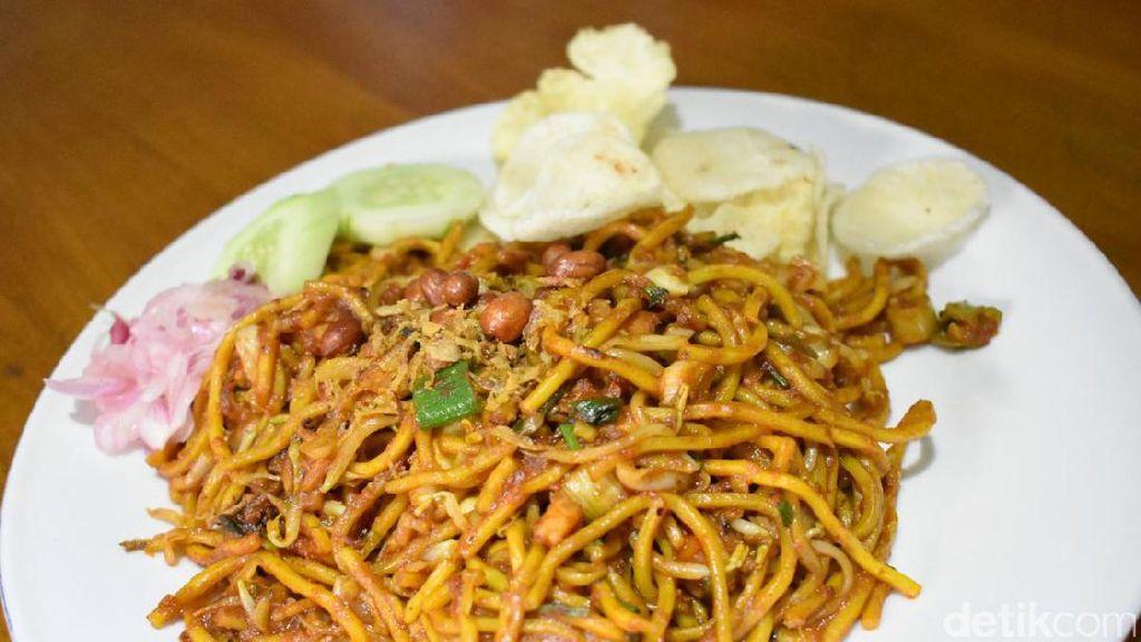 Mie Aceh Bungong Seulanga: Sedap Semerbak Mie Aceh Spesial yang Tersedia 24 Jam