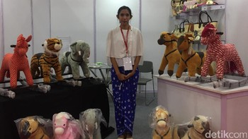 Ikut Pameran di India, Perempuan Ini Jualan Tas Handmade Rp 250.000-an
