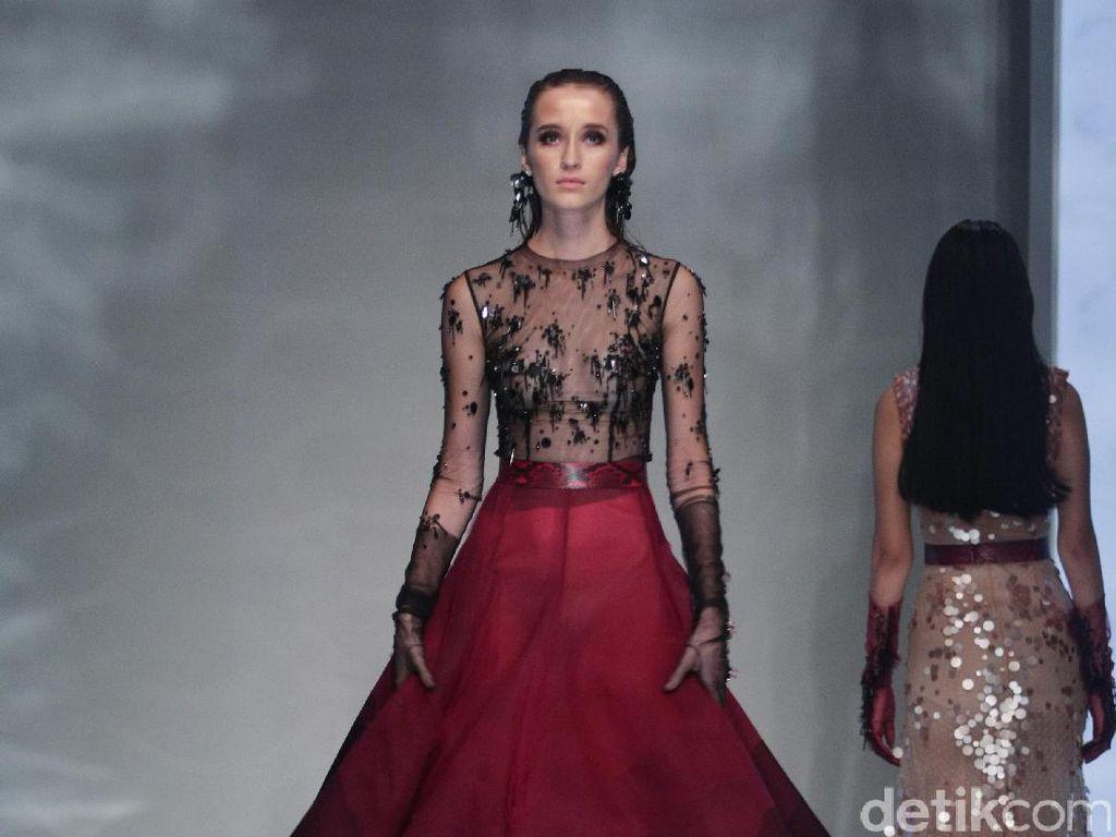 Gaya Avant Garde & Art Deco di Tangan Desainer Hian Tjen & Yogie Pratama