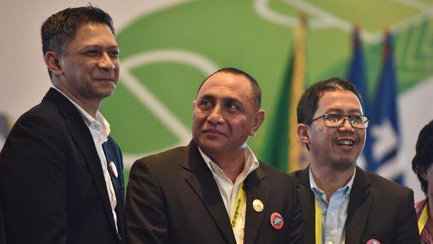 Iwan Budianto (kiri) sebelumnya menjabat sebagai Plt Ketua PSSI menggantikan Joko Driyono.
