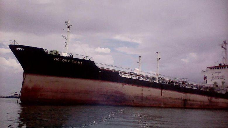 Kapal Tanker Bertabrakan Dengan KM Jaya II Di Belawan, Satu ABK Hilang