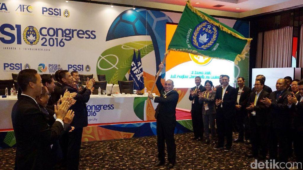 Edy Rahmayadi Kibarkan Bendera PSSI