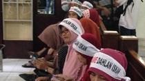 Dukung Dahlan Iskan di Praperadilan, Warga dari Magetan Datangi PN Surabaya