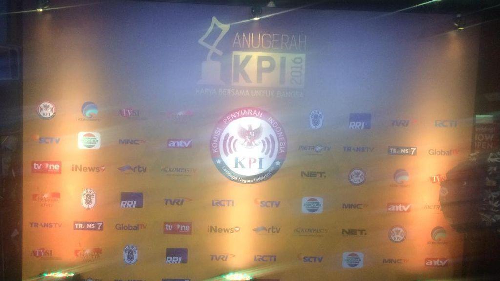 Trans TV Boyong Dua Piala di Anugerah KPI 2016