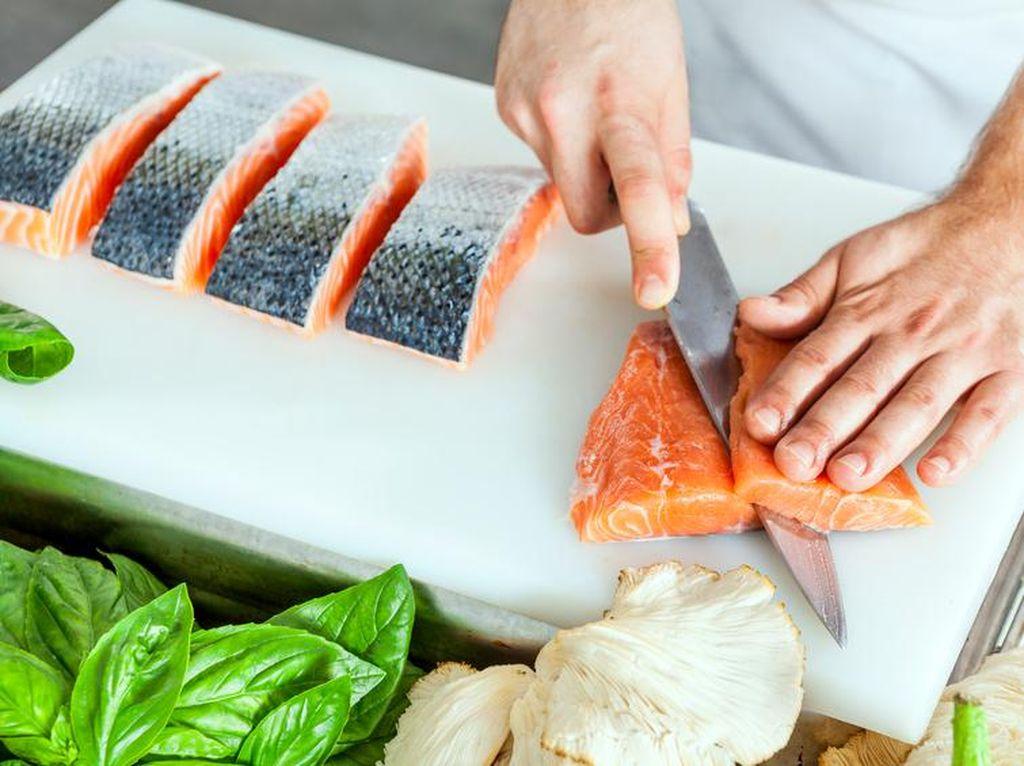 Ini Trik Masak Salmon Agar Rasanya Gurih Juicy