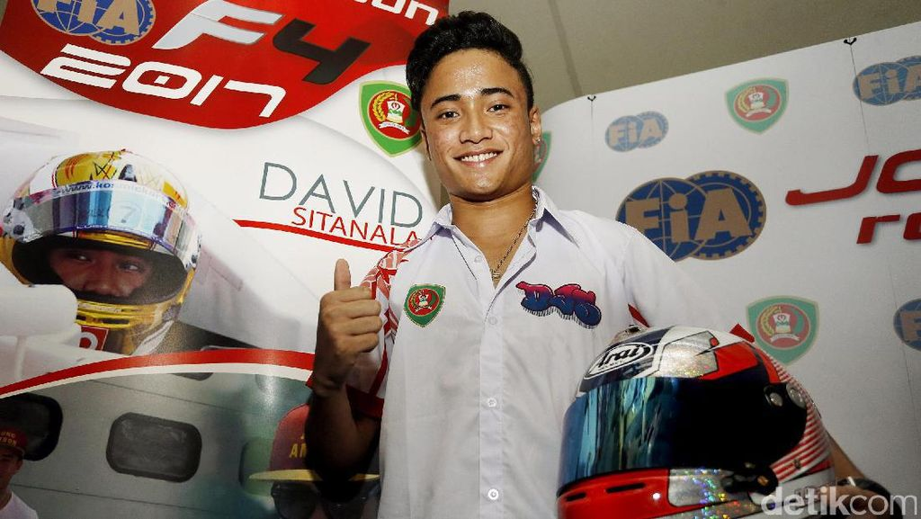 Pebalap Maluku David Sitanala Akan Ikuti Formula 4