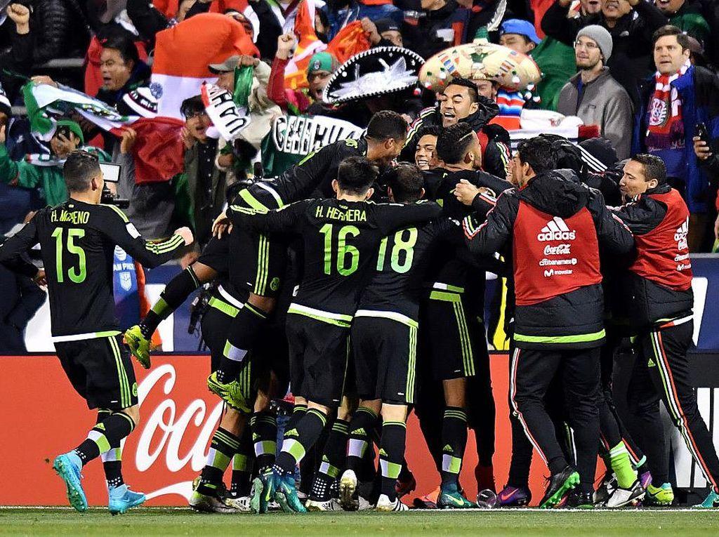 Gol Menit-Menit Akhir Menangkan Meksiko atas AS