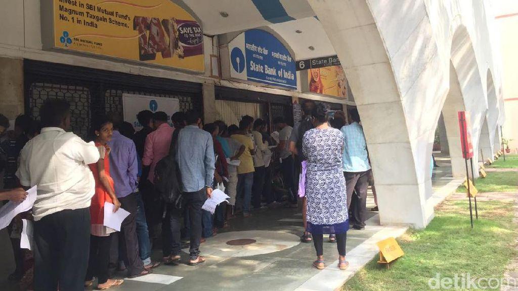 500 dan 1.000 Rupee Ditarik, Warga India Berbondong-bondong Tukar Uang