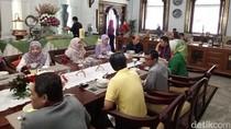 Ridwan Kamil Jamu Arcandra Tahar Sarapan Pagi Bersama