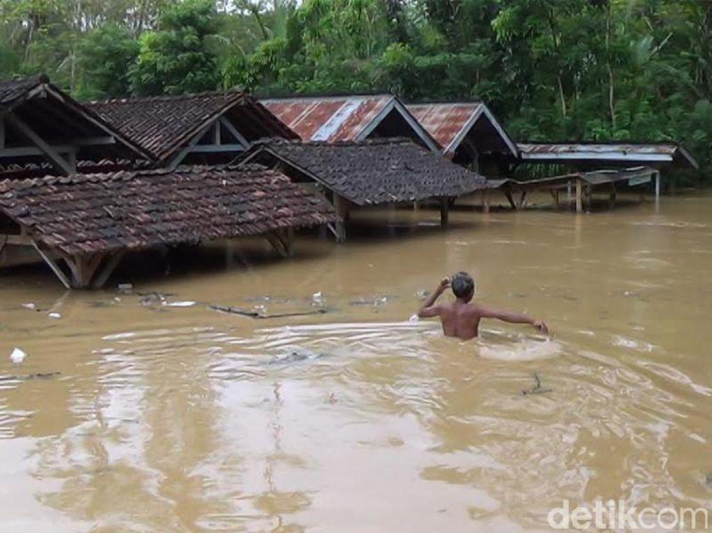 BPBD Trenggalek Siapkan Alat Berat dan Personel Hadapi Bencana Musim Hujan