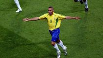 Aksi-aksi 3R, Kartu As Brasil di Piala Dunia 2002