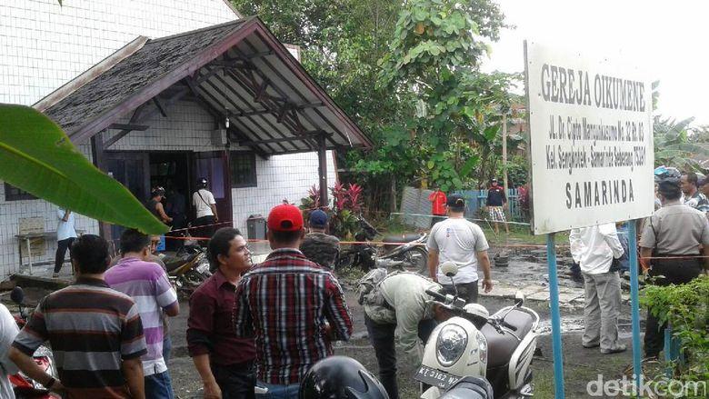 Ini Penampakan di Depan Gereja Oikumene Samarinda Usai Ledakan Bom Molotov