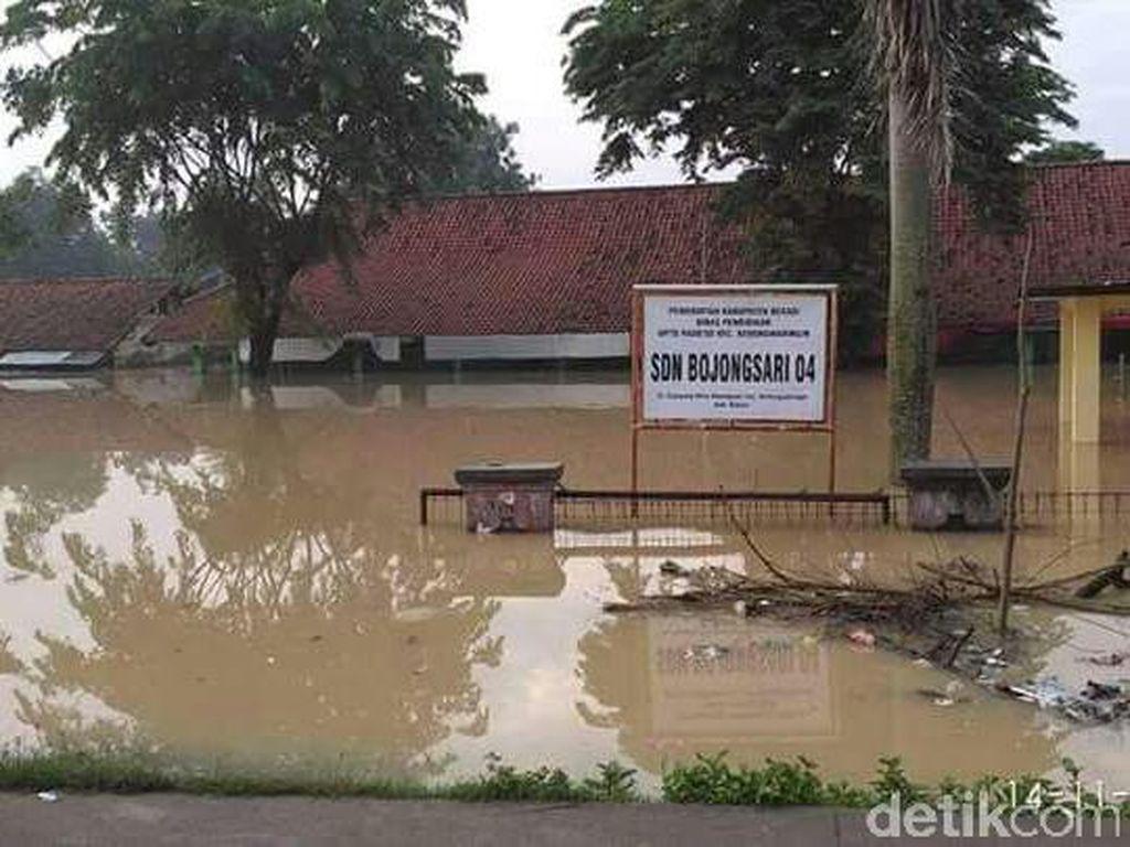 Ribuan Rumah di Tangerang dan Karawang Terendam Banjir