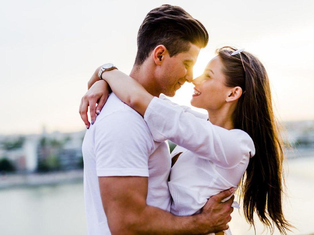 7 Fakta Menyenangkan Tentang Ciuman yang Belum Anda Ketahui