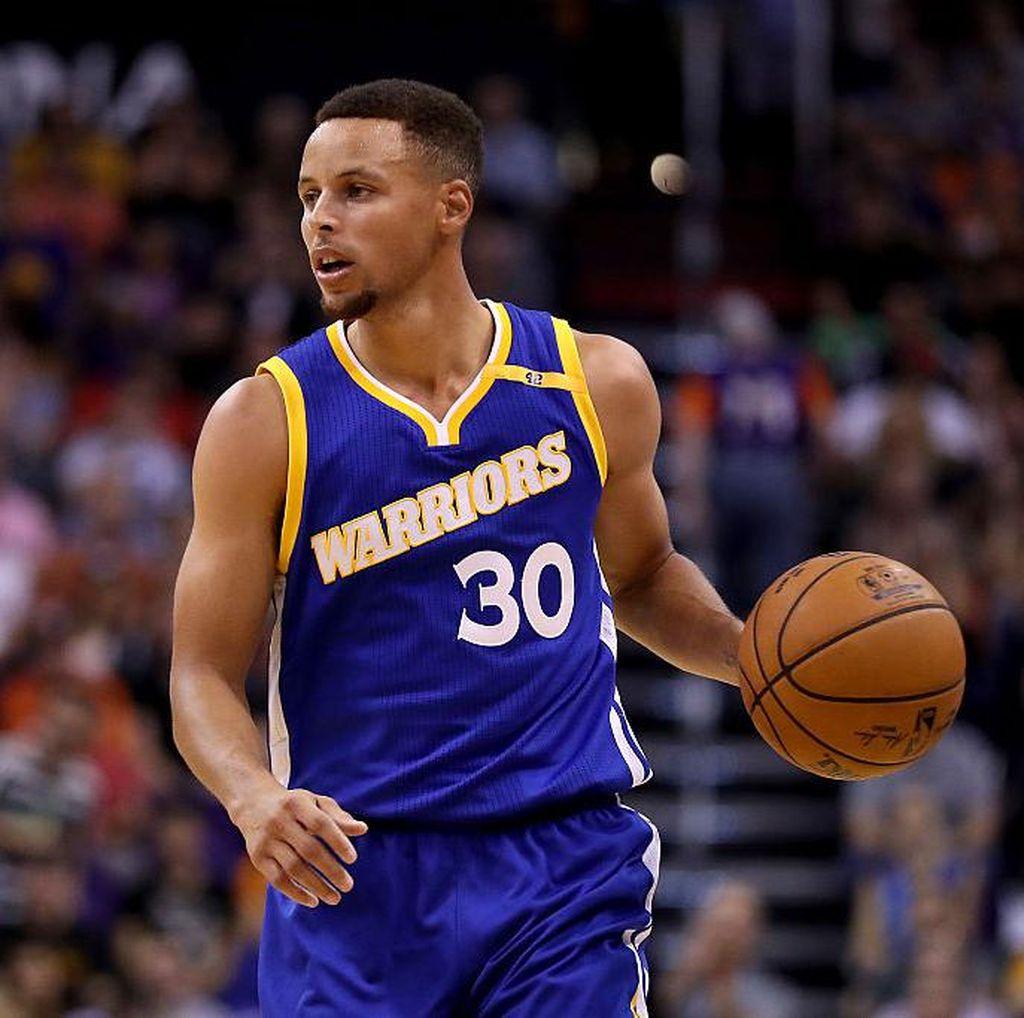 Warriors Atasi Suns, Cavs Kalahkan Hornets