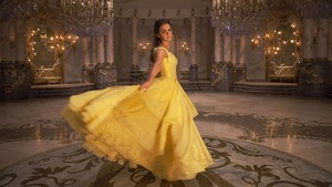 Indahnya Suara Emma Watson di OST Beauty and the Beast