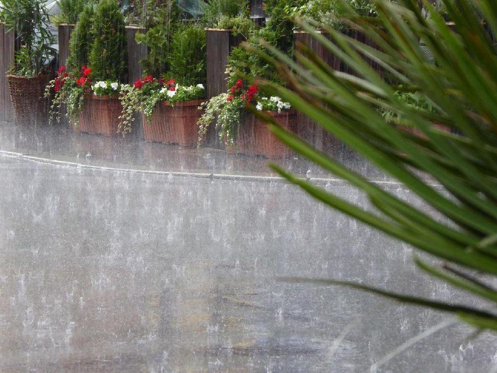 BMKG Prediksi Wilayah Jabar Hujan Ringan Hari Ini