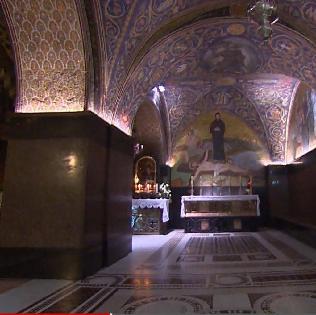 Kisah 2 Keluarga Muslim yang Menjaga Makam Yesus di Yerusalem