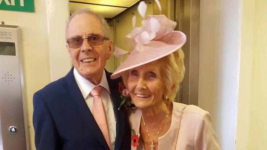 Dulu Dipaksa Orangtua Putus, Pasangan Ini Akhirnya Menikah Setelah 65 Tahun