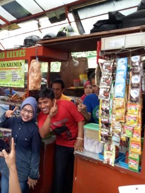 Sylviana Murni Bernostalgia dengan Pedagang Kaki Lima di Kebon Sirih Jakarta