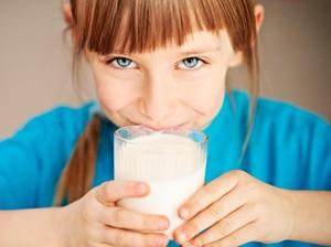 Agar Anak Tak Kegemukan, Berikan Susu Hanya Sesuai Kebutuhan