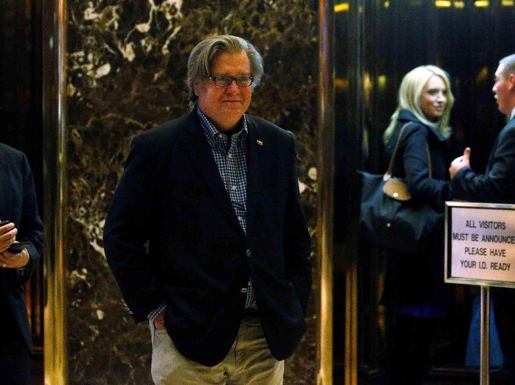 Bernie Sanders Minta Trump Cabut Penunjukan Sosok Rasis Jadi Penasihat Senior