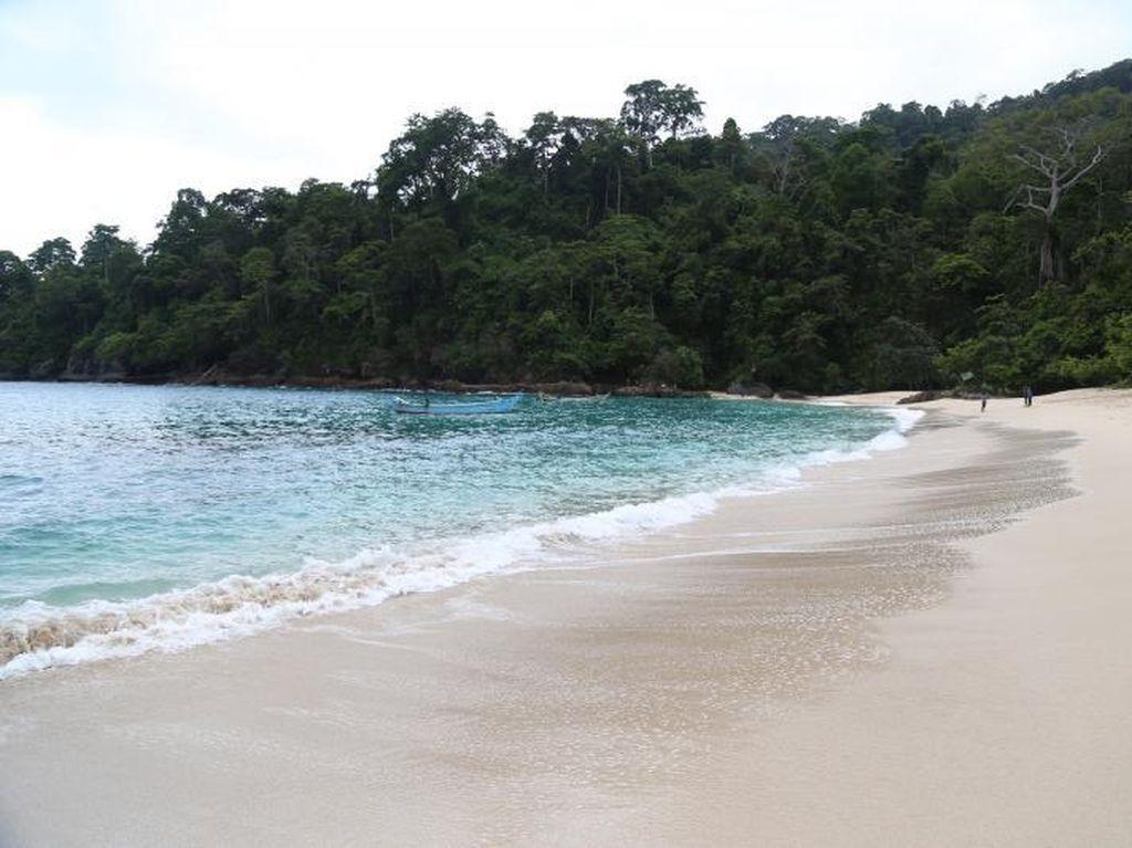 7 Wisata Alam Terbaik di Indonesia