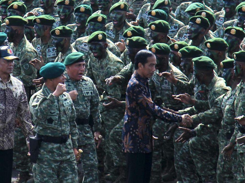 Panglima TNI Safari Jadi Pembicara di Kampus, Jokowi: Dia Sudah Izin ke Saya