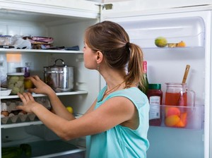 Jika Listrik Sering Mati, Berapa Lama Makanan Tahan Disimpan di Kulkas?
