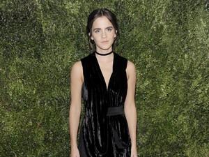 Duh, La La Land Seharusnya Dibintangi Emma Watson dan Miles Teller