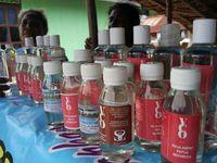 Virgin coconut oil produksi warga Desa Yenbuba (Sukma/detikTravel)