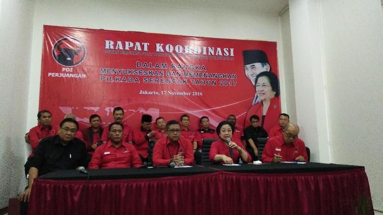 Megawati  Penolak Ahok Antara Memang Dibayar Atau Tak Tahu Aturan f28ee03796