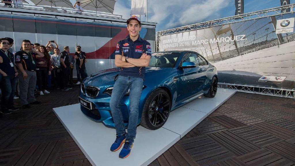Menang Penghargaan, Marc Marquez Bawa Pulang BMW M2 Coupe