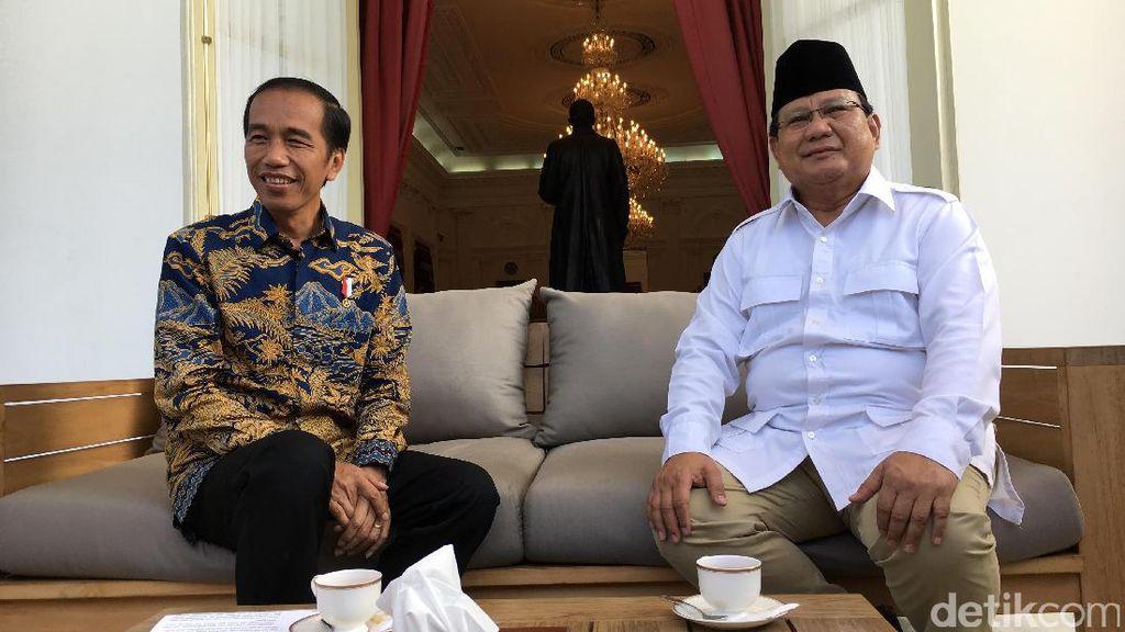 Membandingkan Prabowo Telanjang Dada vs Jokowi Bertinju