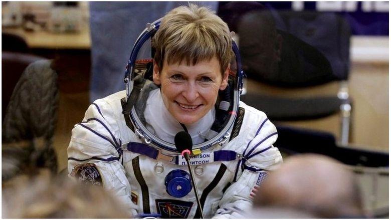 Astronot Tertua Peggy Whitson Meluncur ke Luar Angkasa