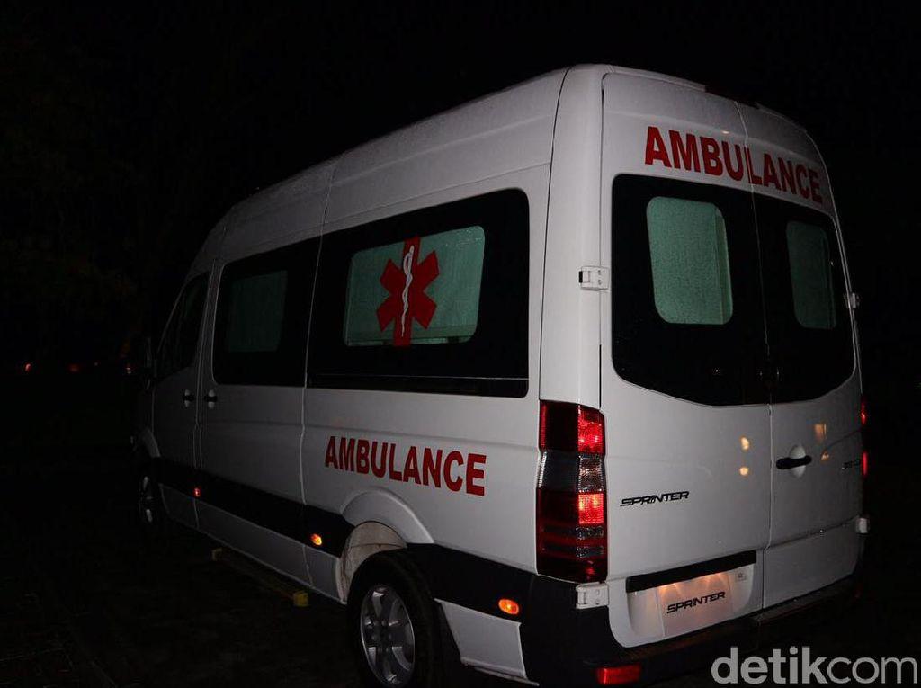 Ancaman Pidana Buat Pemobil Halangi Ambulans di Jalan Raya