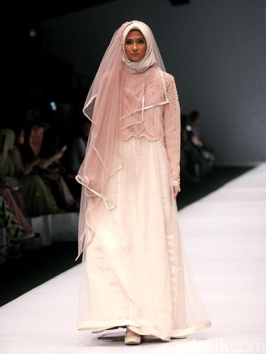 Salah satu rancangan Irna Mutiara.