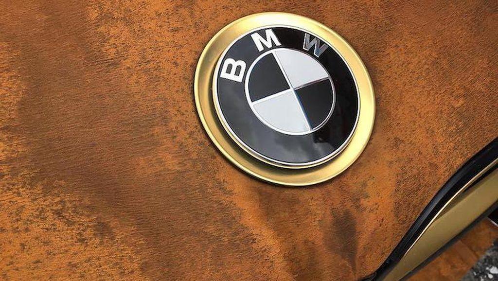 Diancam Donald Trump, BMW Tetap Bikin Pabrik di Meksiko
