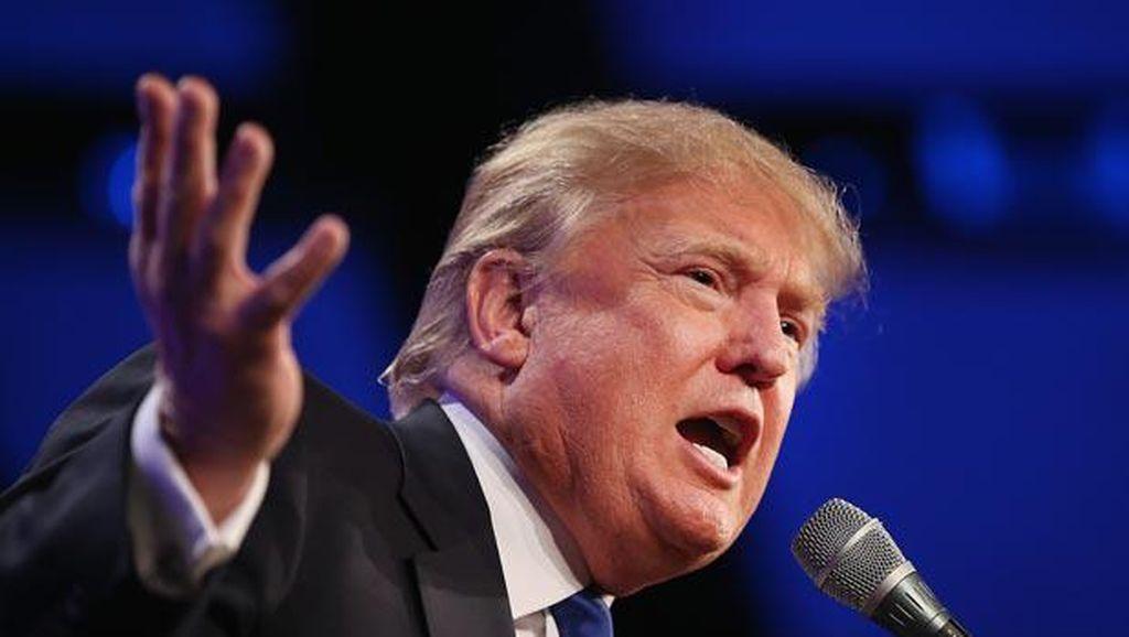 Donald Trump Khawatir Dilarang Pakai Android