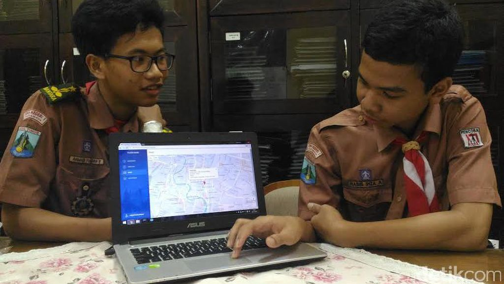 Flood Base, Aplikasi Pantau Banjir Karya Siswa Surabaya