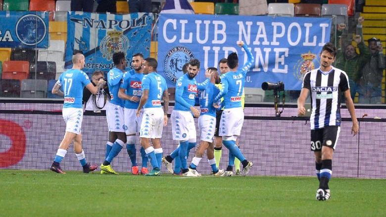 """""""Bandar Bola - Dua Gol Insigne Baut Napoli Menang Dari Udinese"""""""