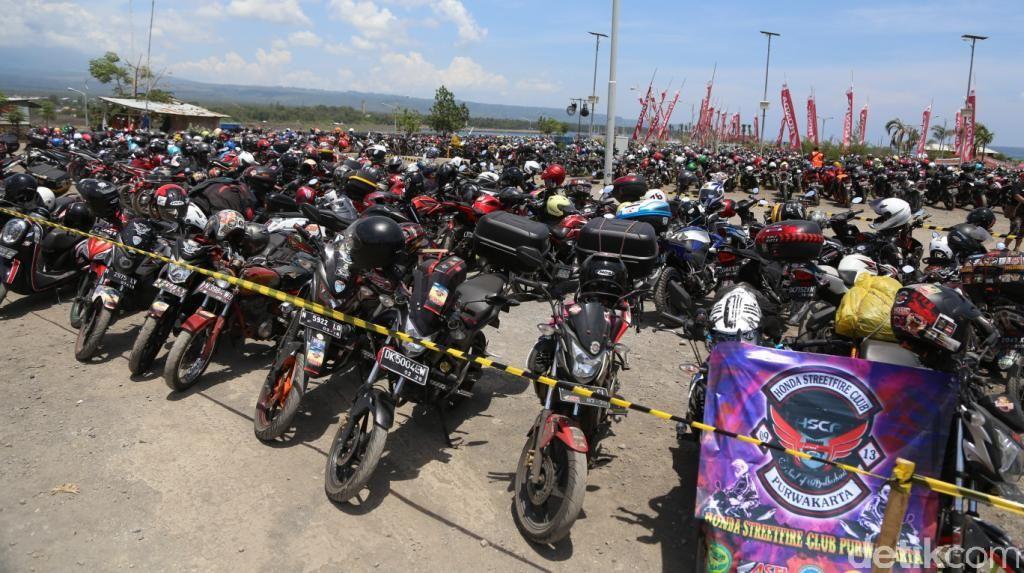 Puluhan Ribu Bikers Ikuti Lebaran Honda di Bayuwangi