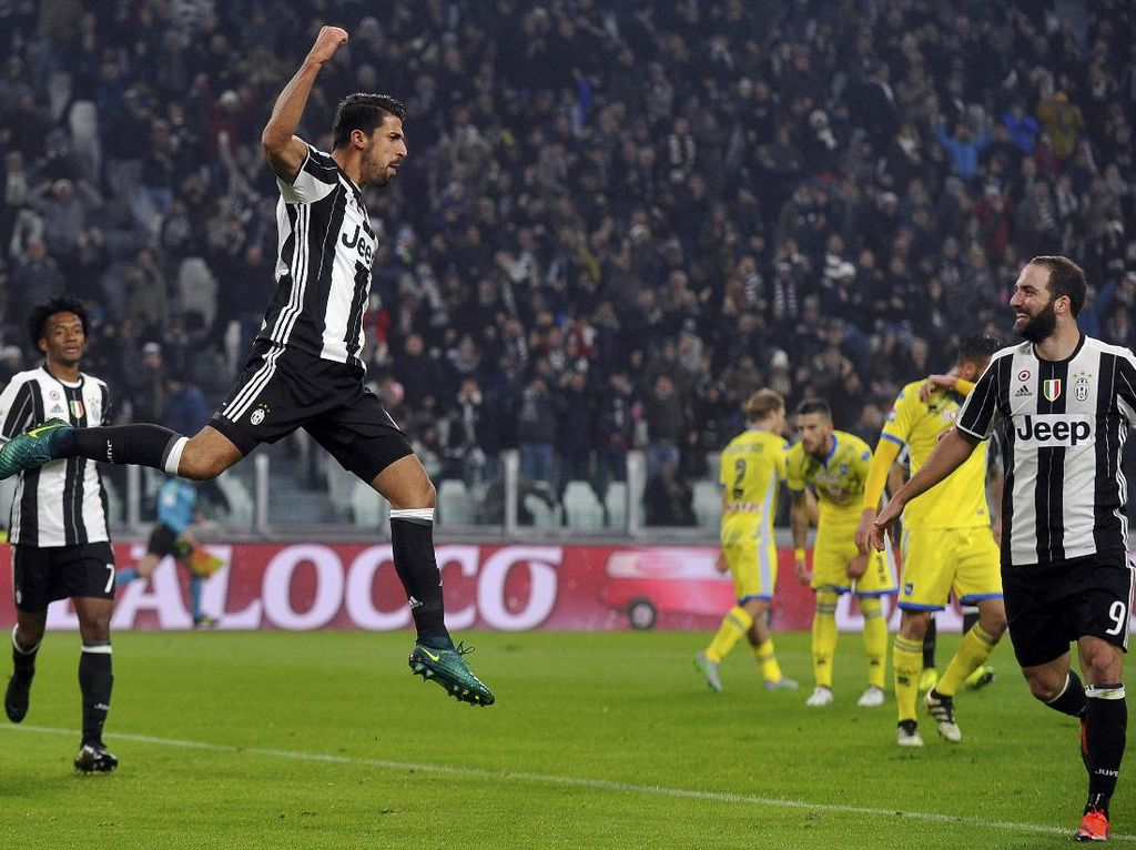 Lumat Pescara, Juventus Mantapkan Posisi di Puncak Klasemen