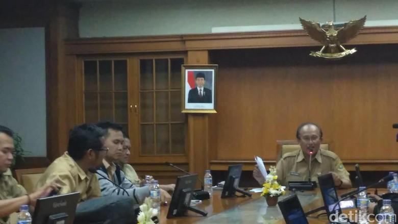 Gubernur Jabar Tetapkan UMK 2017, Karawang Tertinggi dan