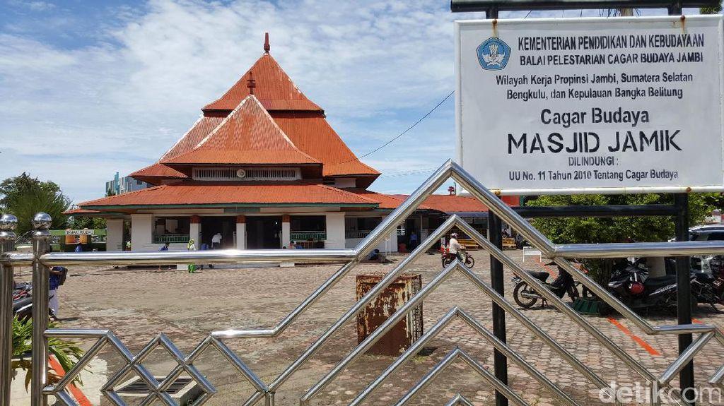 Masjid Cantik Bengkulu Karya Presiden Soekarno