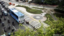 Bersih dan Asrinya Trotoar Jalan Jati Baru