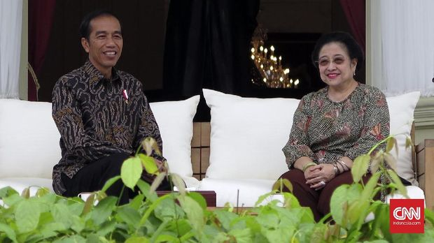 Presiden Jokowi dan Ketua Umum PDIP Megawati Soekarnoputri, di Istana Merdeka, Jakarta, beberapa waktu lalu.