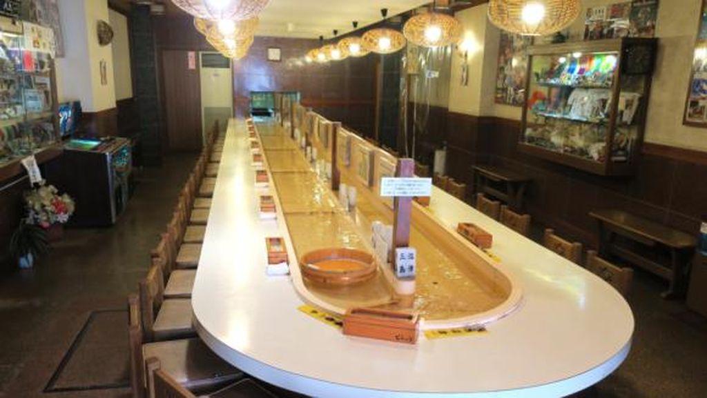 Restoran di Jepang Ini Antar Makanan Pelanggan Lewat Aliran Air